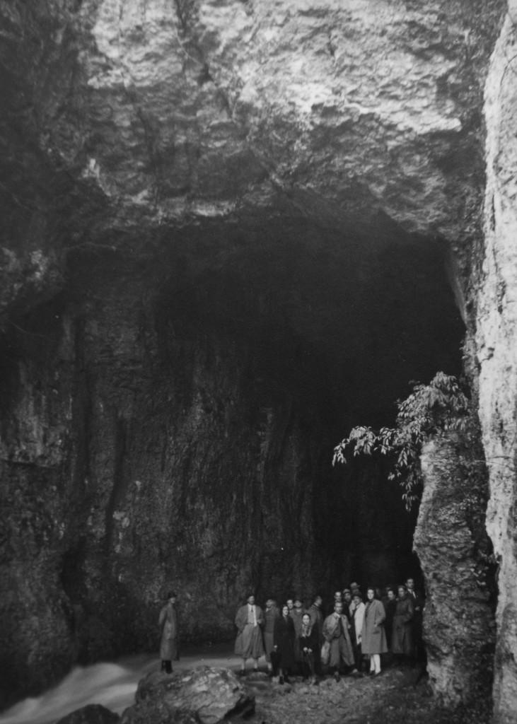 marronata del CAI VI con visita all'ingresso (foto archivio GGT)