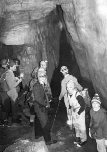 5/1/1969 foto di A. Allegranzi. La partenza degli speleo che in questo giorno entrarono in Sala Pasa ed aprirono la grande era delle esplorazioni