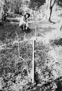Enrico Gleria assembla il palo da scalata
