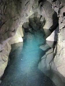 Fessura Allagata nel Ramo dei Sabbioni (foto Compagnia del Budello)