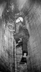 1964 Risalita su scaletta nel Ramo dei Salti (archivio GGS)