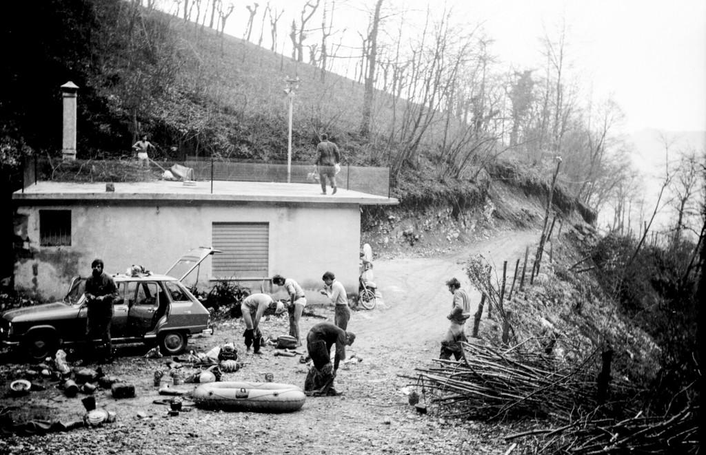 L'ex rifugio come si presentava negli anni '70. Poi diventerà un cumulo di macerie.